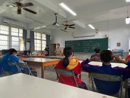 20201211八年級高中職參訪_210202_30.jpg