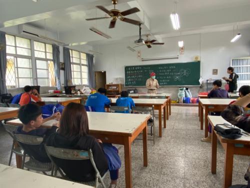 20201211八年級高中職參訪_210202_33.jpg