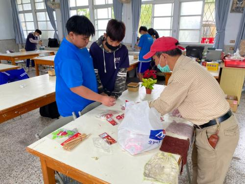 20201211八年級高中職參訪_210202_76.jpg