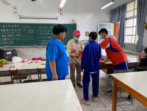 20201211八年級高中職參訪_210202_78.jpg